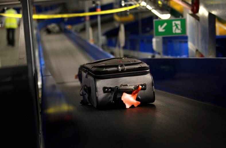 luggage_belt_130920_getty