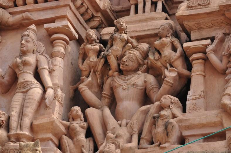 Sex statue in Thirumayam temple