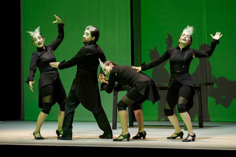 'Normas para saber vivir na sociedade actual', de Sarabela Teatro. Foto: OVIDIO ALDEGUNDE