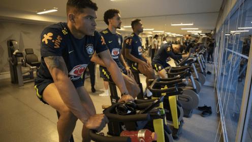 de-volta-a-granja-comary-selecao-brasileira-faz-primeiro-treino-para-final-com-o-peru-05
