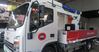 Caminhão elétrico em operação