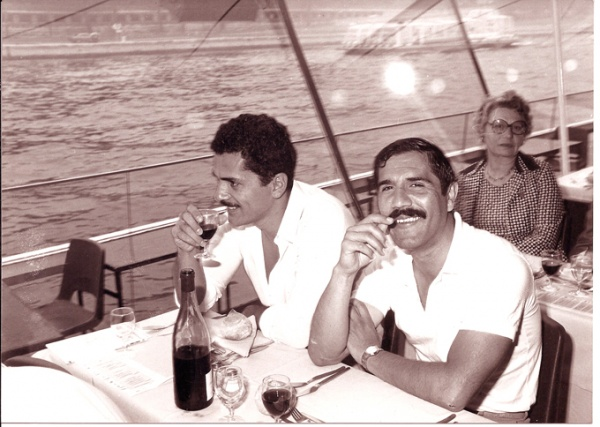 París con Ernesto.