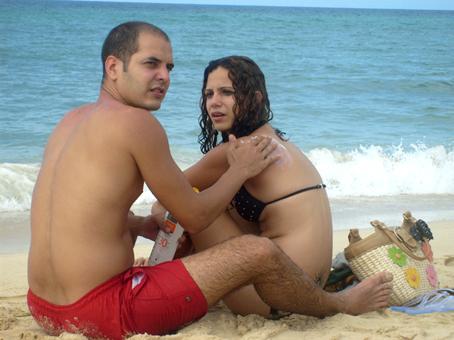 Los actores Alejandro Socorro y Rachel Cruz en la telenovela cubana Juventud rebelde.