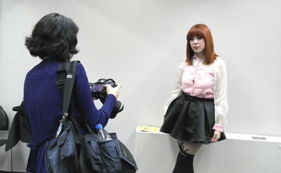 La prensa argentina fotografia a Piyo de Chile en el Concurso K-POP LA