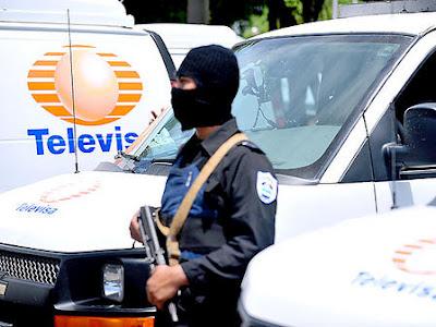 Las falsas camionetas de Televisa en Nicaragua.