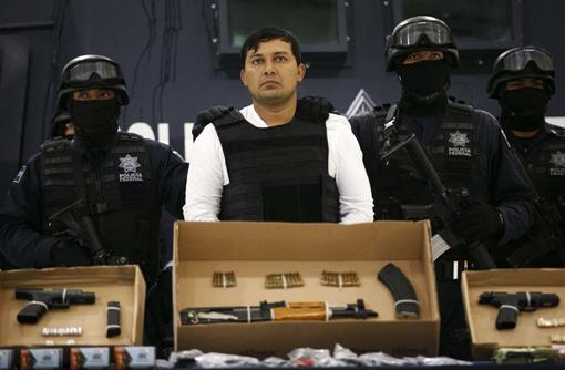 Cae El Mamito, oriundo de Campeche, 2011. Foto AFP.