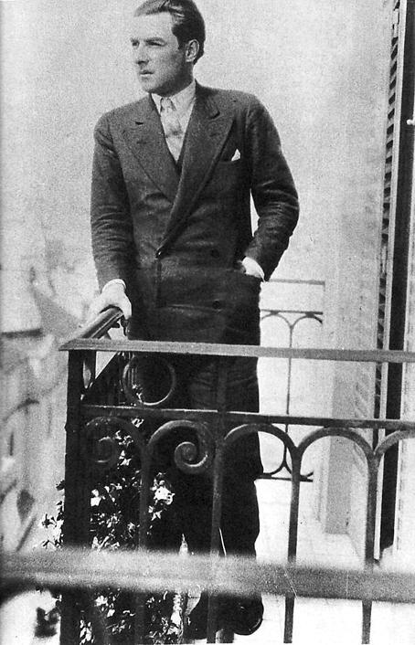 Roberto Arlt en la terraza, 1935.