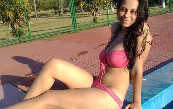 La profesora de inglés Lucita Sandoval, suspendida de un colegio argentino por tener relaciones con un alumno menor de edad.