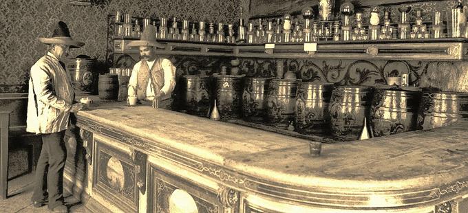 La vieja cantina del pueblo.