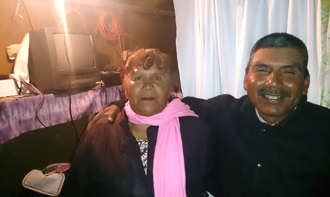 La autoridad tradicional de Nuevo San Juan Copala, Abraham Martínez, y su esposa María Fernanda. Foto © Orlando Cruzcamarillo.