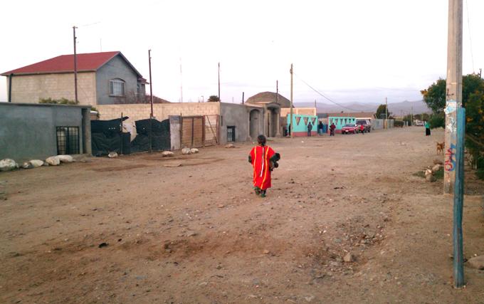 Una calle de la colonia Nuevo San Juan Copala. Foto © Orlando Cruzcamarillo.