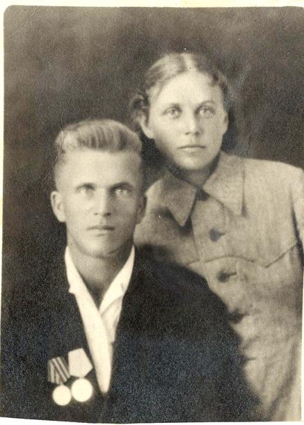En 1947, Zoya con su esposo Piotr Vasilievich Zaitsev.