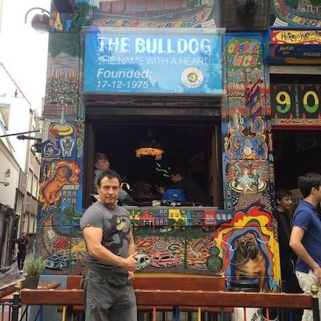 El Bulldog.