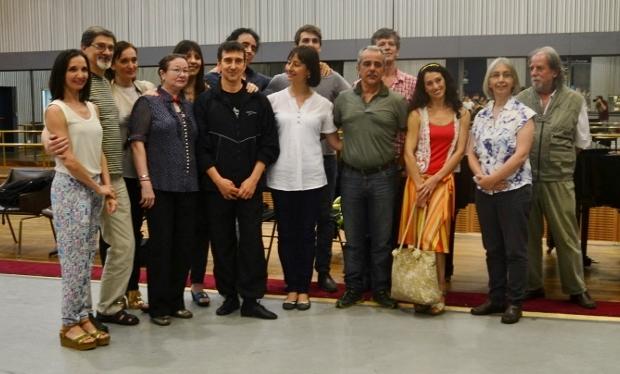 Julio Bocca, con sus anfitriones del ISA del Teatro Colón. Foto: Revol.