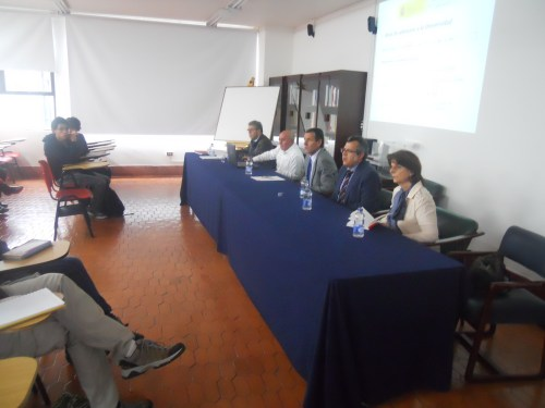 Un momento de la reunión informativa sobre el acceso a las universidades españolas