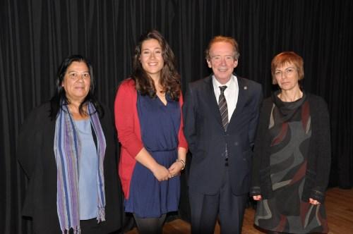 José Antonio Blecua, Director de la RAE, con las Profesoras Mabel Mendoza, Isabel Hernández y Claudia Sánchez, del Departamento de Lengua Castellana y Literatura