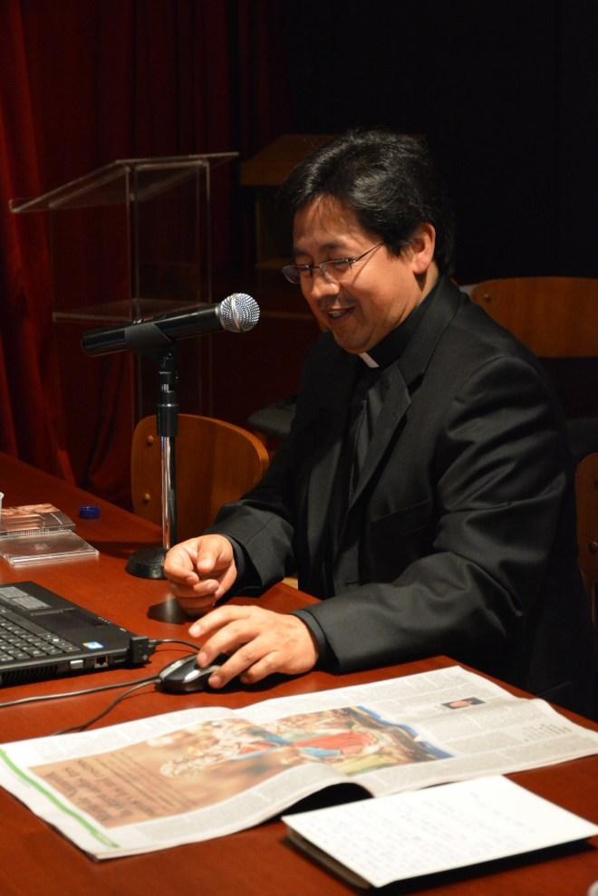 Victor Moreno Holguín, autor  de El Castillo interior, presentando su obra en el CCEE Reyes Católicos