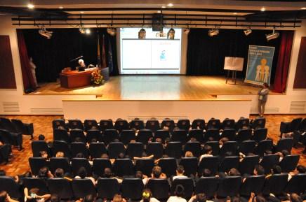 Carme Solé en el auditorio del Centro.