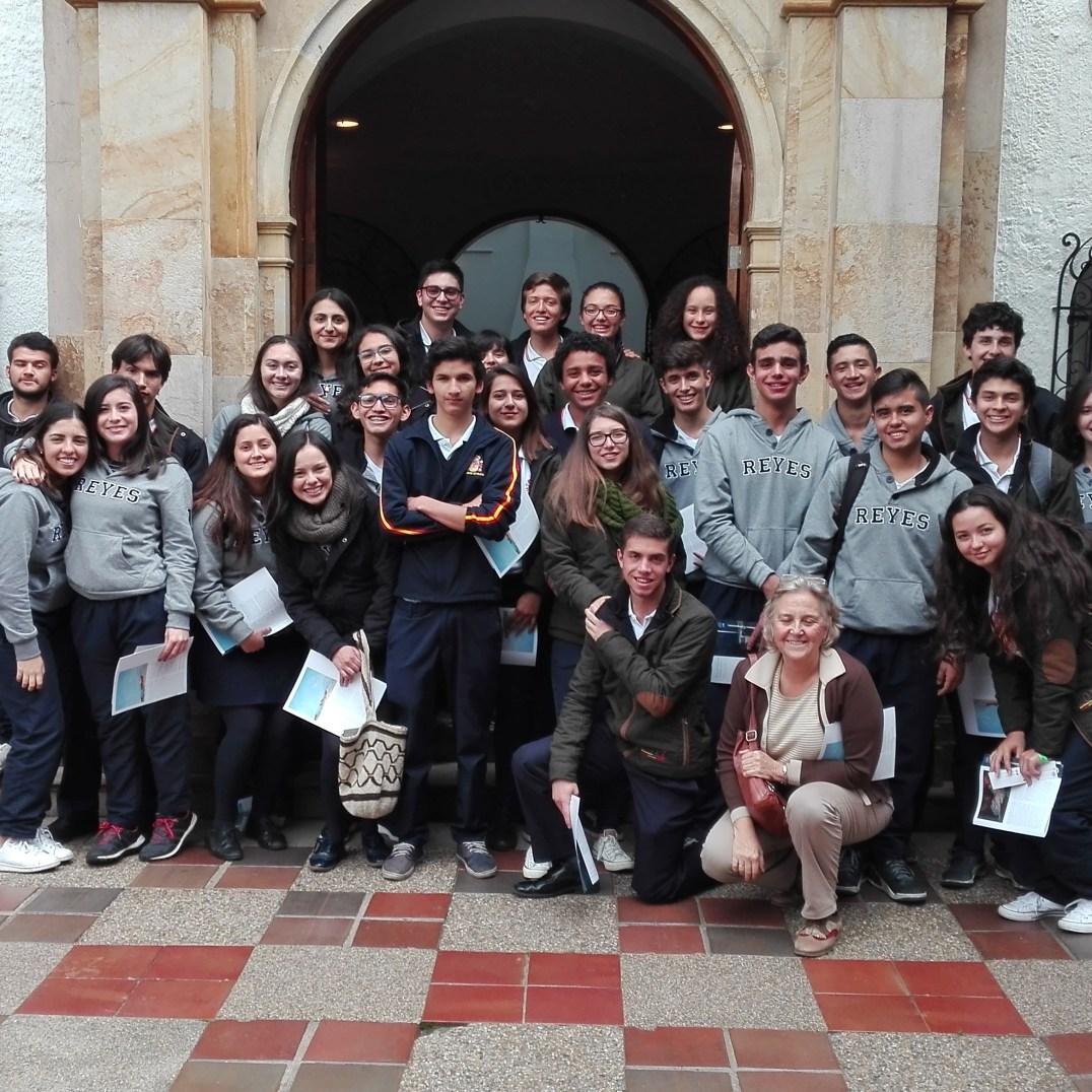 Foto de grupo con la profesora Tálida Ruíz del Árbol