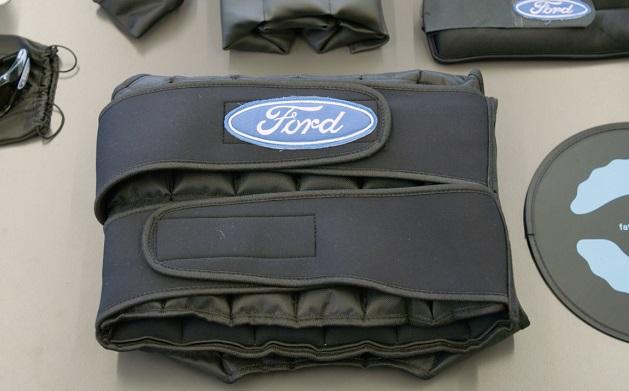 Traje del sueño Ford_3