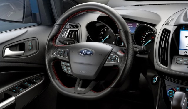 Ford Escape ST_line_8.jpg