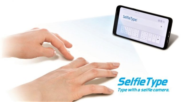 C-Lab-at-CES2020_SelfieType-768x429