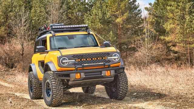 Ford Bronco_2Portas-1