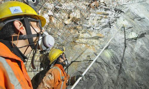 Operando con seguridad en interior mina