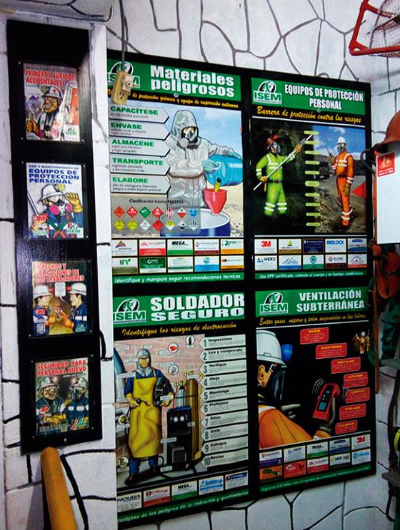 Afiches de seguridad publicados periódicamente por la revista son distribuidas gratuitamente a empresas mineras