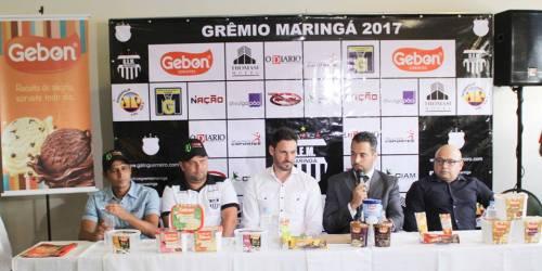 Rafael Andrade, André Astorga e Kadu na segunda apresentação da equipe (Foto: Douglas Santos)