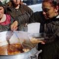 Todo hambre es político: Uruguay entre ollas populares y ollas de la fortuna