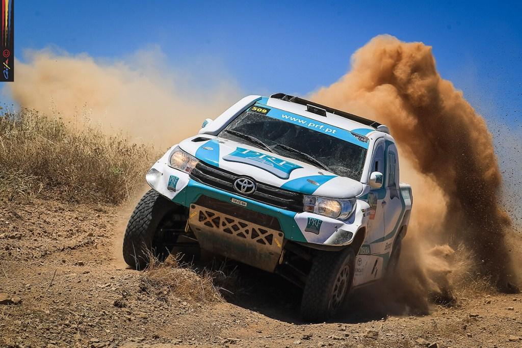 De regresso às competições nacionais,  Paulo Rui Ferreira e Jorge Monteiro levaram a Toyota Hilux ao quinto posto absoluto