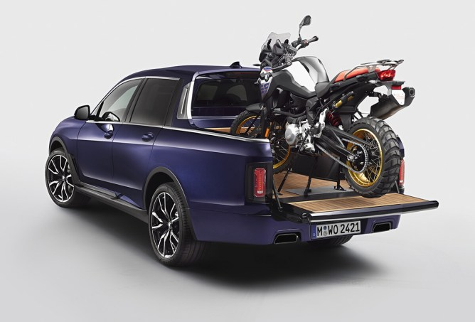 BMW X7 Pick-up com F 850 GS