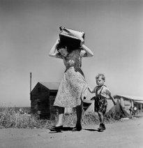 Haifa, Israel, 1949-1950. Arribo de inmigrantes judíos. Magnum Photos.