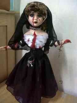 Juguetes Infernales - Muñeca de Porcelana terrorífica