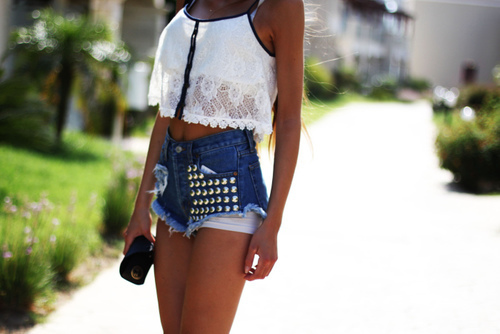 Crop Top con puntilla