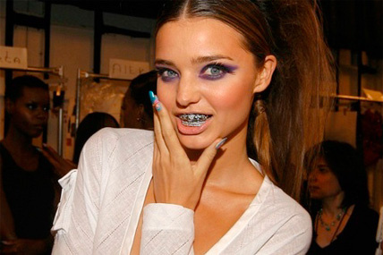 Bling Dental o Moda Grill - Miranda Kerr
