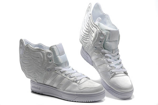 the best attitude fd057 593ae Jeremy Scott - Adidas con Alas blancas
