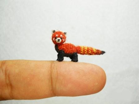 Amigurumi miniaturas - Panda rojo