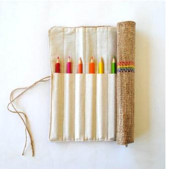 Lápices de colores en estuche artesanal