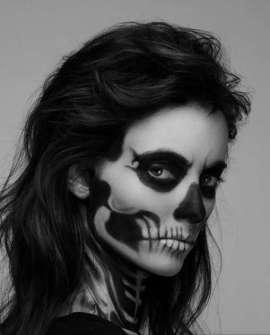 Maquillaje para Halloween de chica Zombie