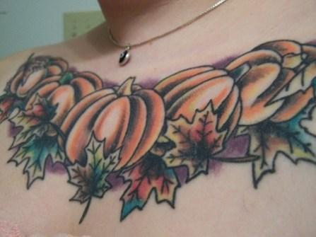 Pechos Tatuados con Calabazas