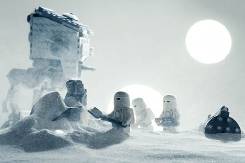 LEGO Contraataca con Escenas Memorables de Star Wars.