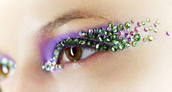 Maquillaje de Fiesta en Navidad - Sombras con Cristales de Swarovski
