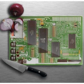 21 Gadgets Frikis que querrás para ti - Tabla de cortar placa base