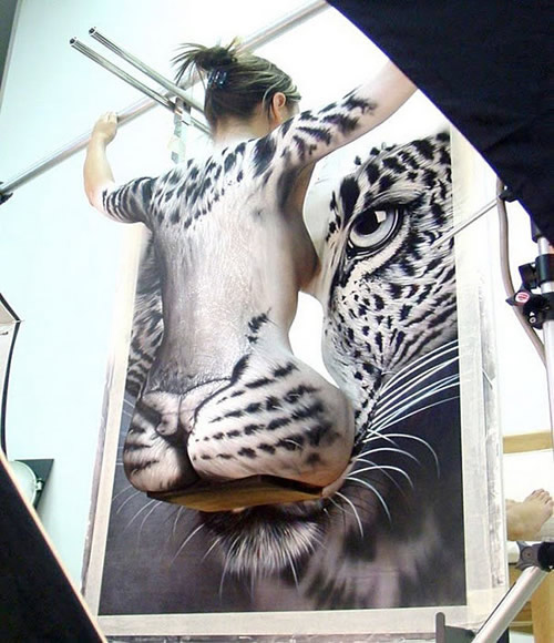 Body painting animales