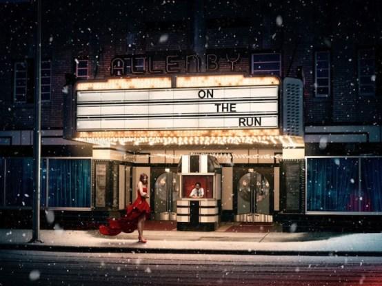 Fotografía In Pieces. Chica vestido rojo en cine..