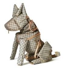 Perro Louis Vuitton por Billie Achilleos