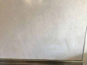 壁面パネル油汚れ