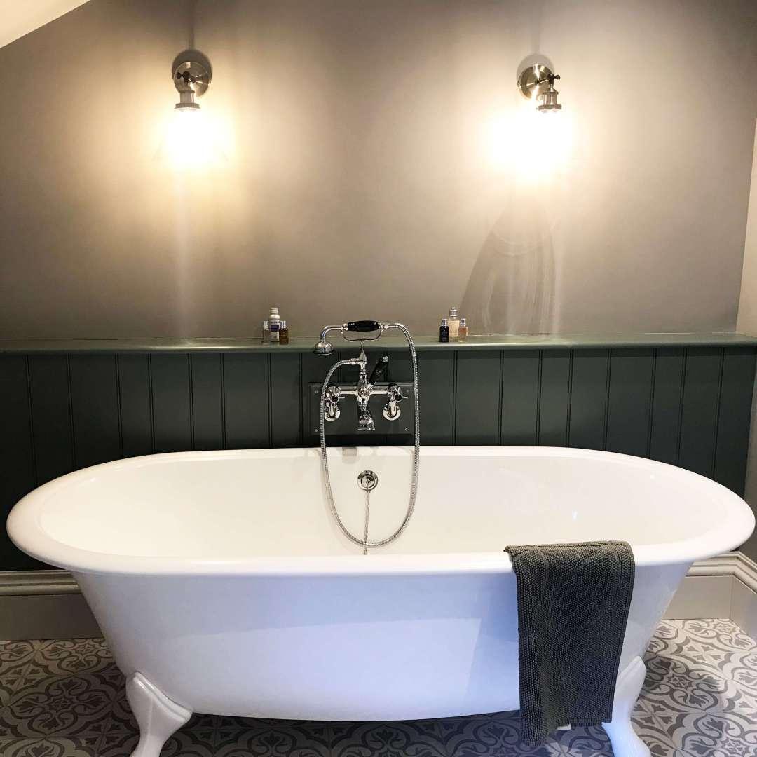 Building Restoration - Bathtub
